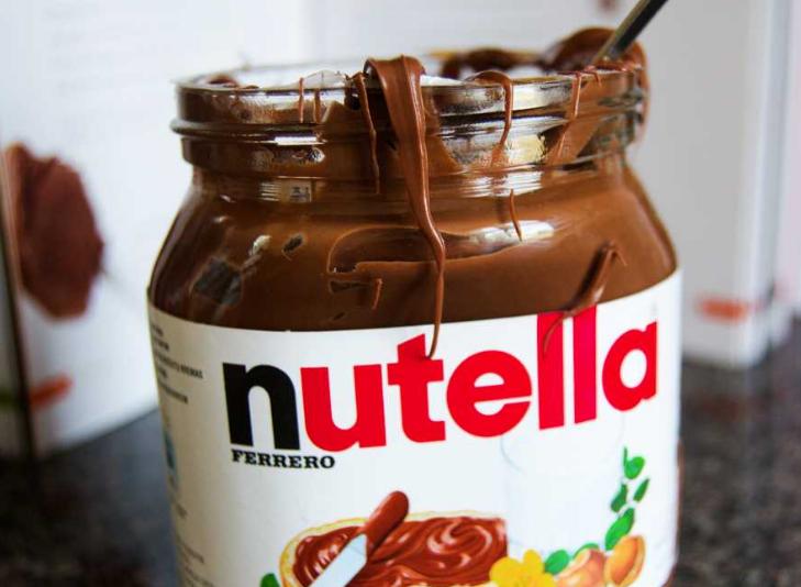 Nutella challenge: mangiane un barattolo e tagga un amico
