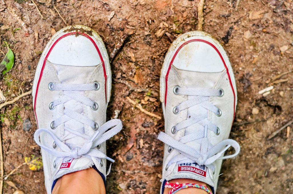 2come lavare scarpe converse bianche
