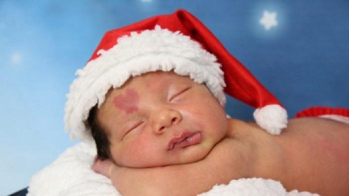 Voglia a forma di cuore: le tenerissime foto del neonato