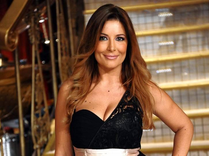 Selvaggia Lucarelli su Facebook attacca Cecilia e Belen Rodriguez