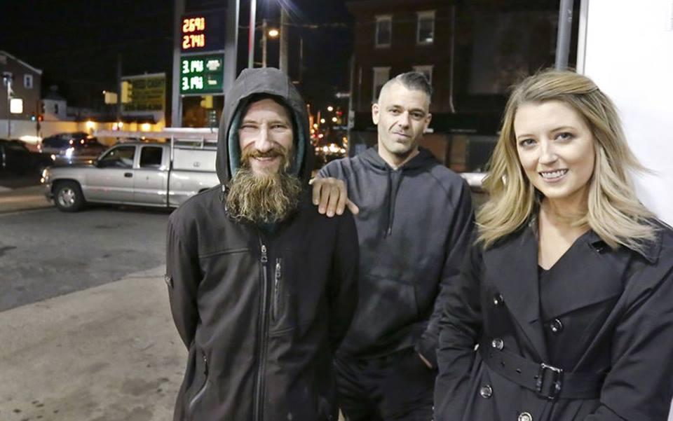 Aiuta senzatetto con raccolta fondi da oltre 250.000 dollari