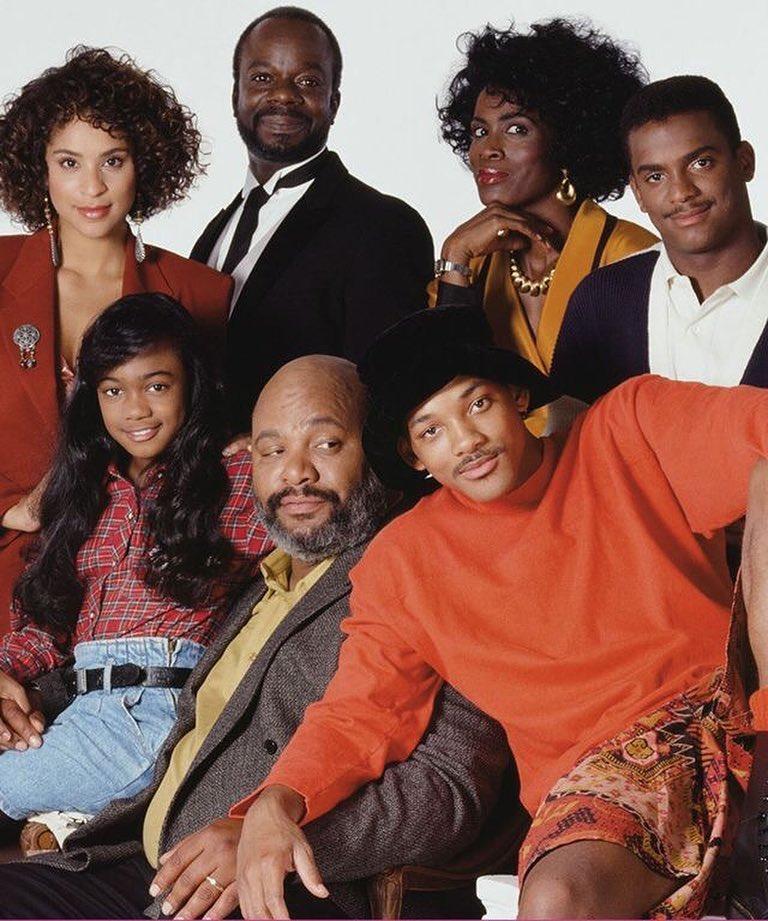 Il vecchio, insostituibile e amatissimo cast di una delle serie più famose degli anni novanta.