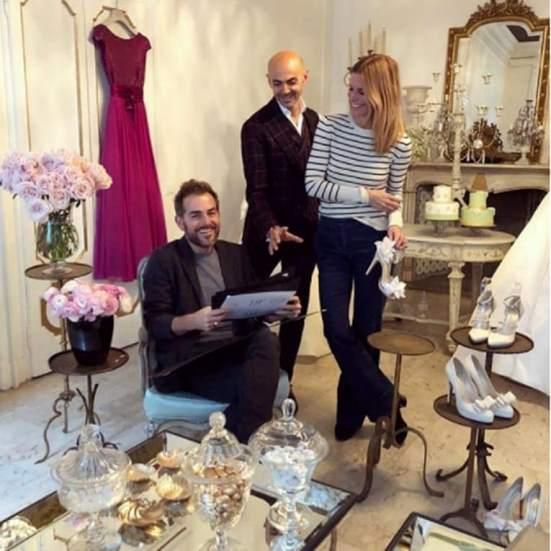Daniele Bossari con la tipica espressione del marito che preferirebbe tornare 80 giorni nella casa!