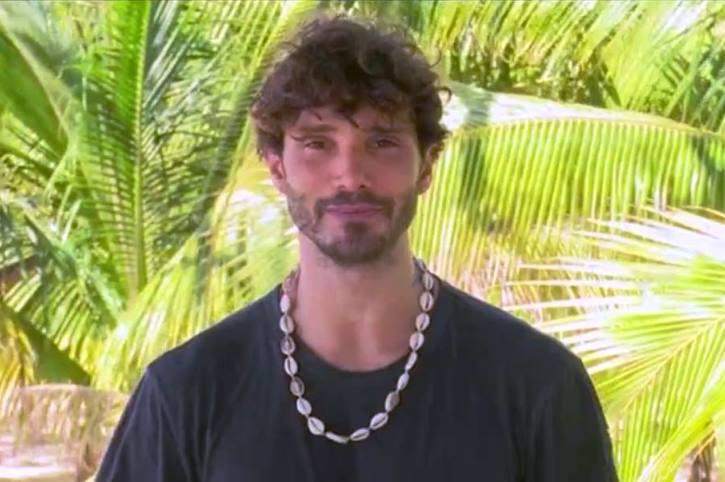 Stefano De Martino rischia il posto