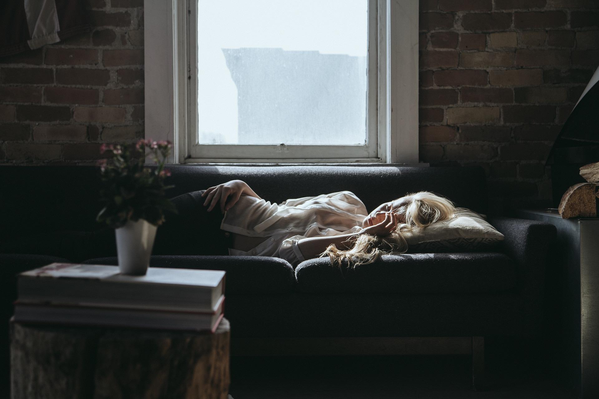 Come trasformare un letto singolo in un divano