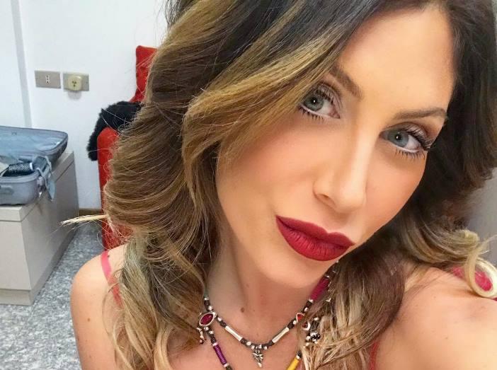 Paola Caruso adottata: la rivelazione a Domenica Live