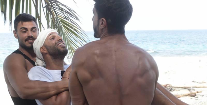 Isola, Mara Venier dà del gay a Jonathan: cala il gelo