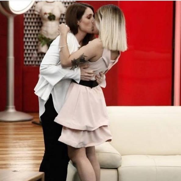 bacio tra veronica e simone