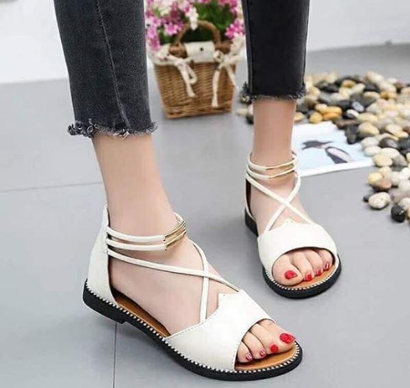 sandali bianchi