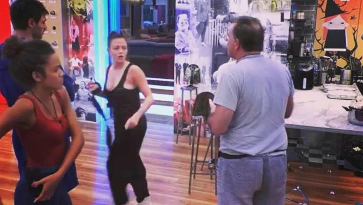 Cecchi Paone contro Silvia Provvedi