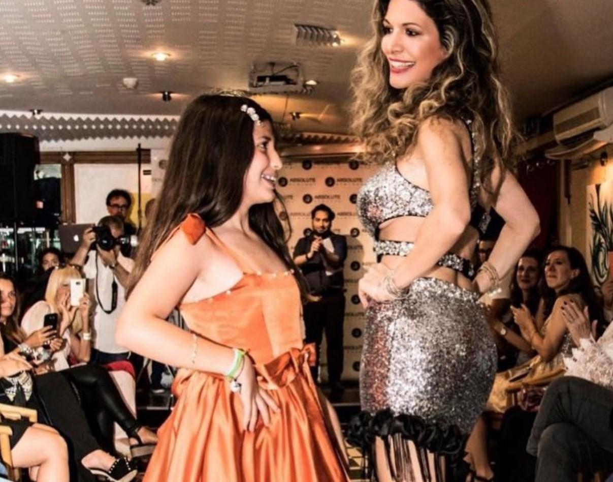Perla Maria, figlia della Monsè conduttrice di un talent show