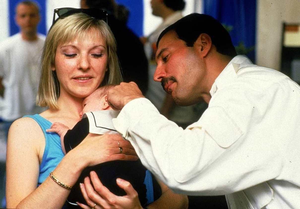 Mary Austin e Freddie Mercury
