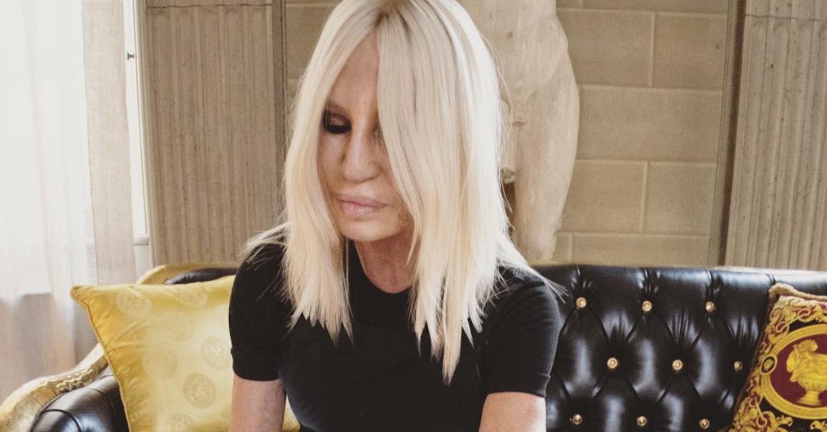 Donatella Versace, grave lutto per la stilista