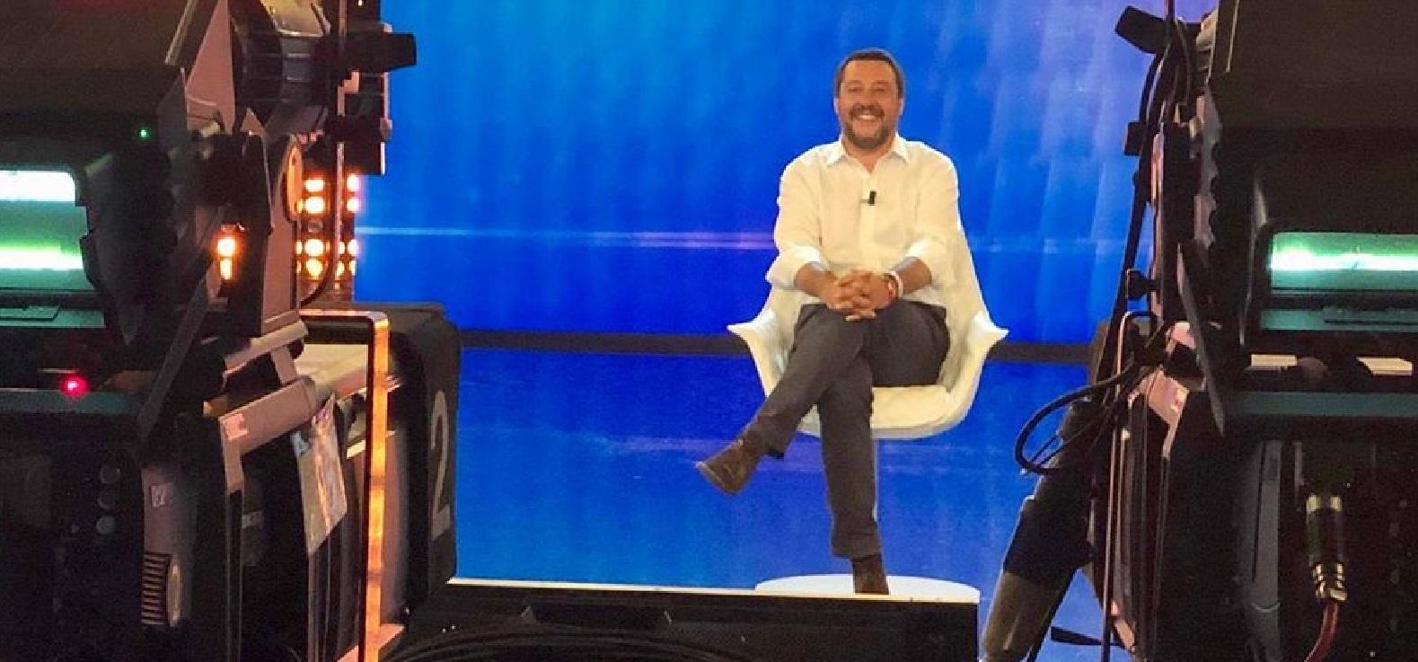 GF 16, Matteo Salvini commenta la finale: haters scatenati