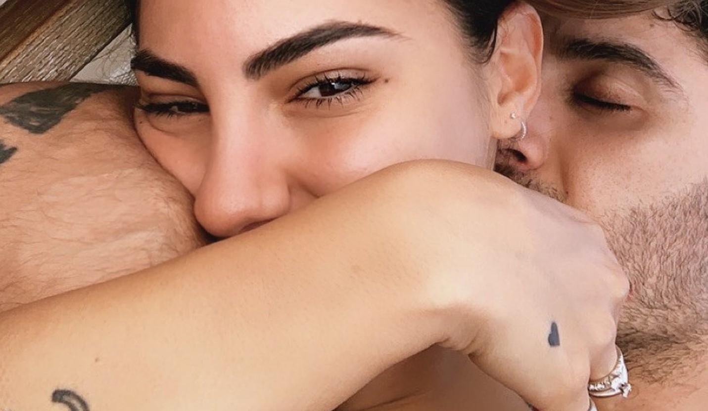 Iannone e Giulia De Lellis, amore in piscina per la nuova coppia