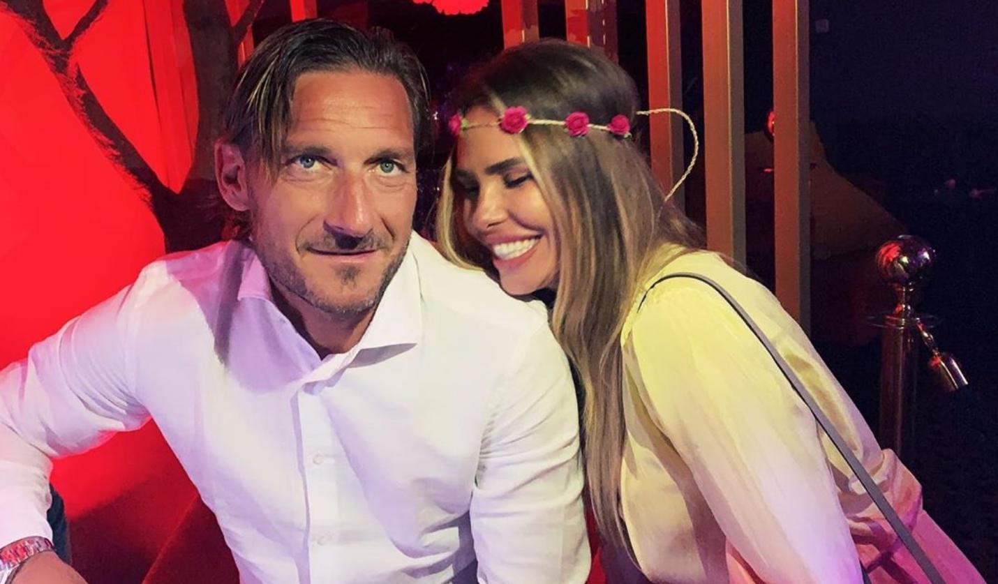 Anniversario Matrimonio Totti.Ilary Blasi E Francesco Totti Anniversario Di Nozze Per La Coppia