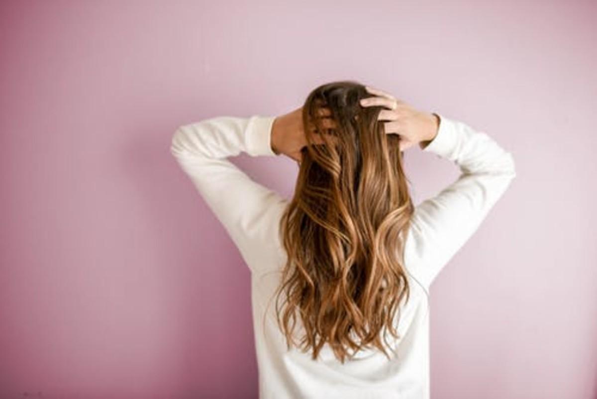 capelli che non crescono