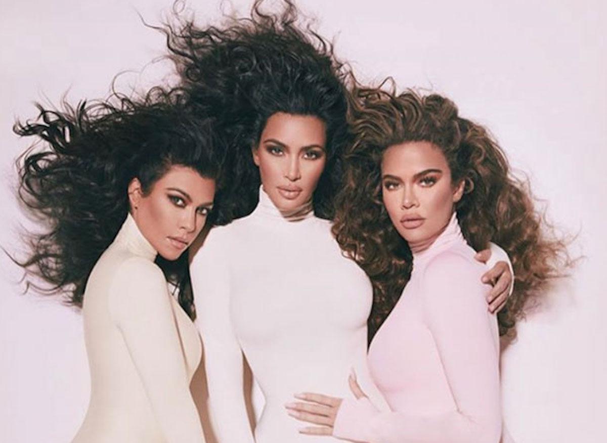 Le sorelle kardashian lanciano i nuovi profumi