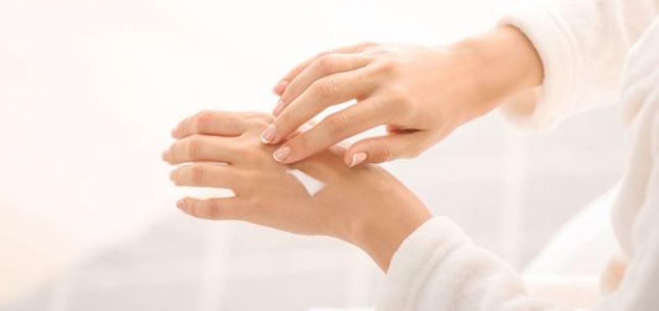 Mani secche e screpolate