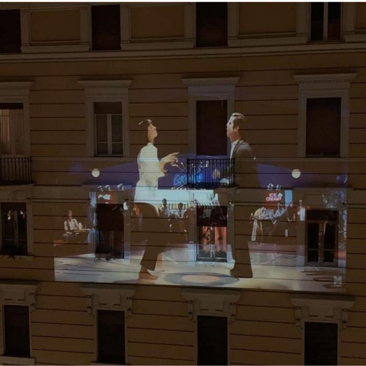 #cinemadacasa: film proiettati sulle facciate dei palazzi