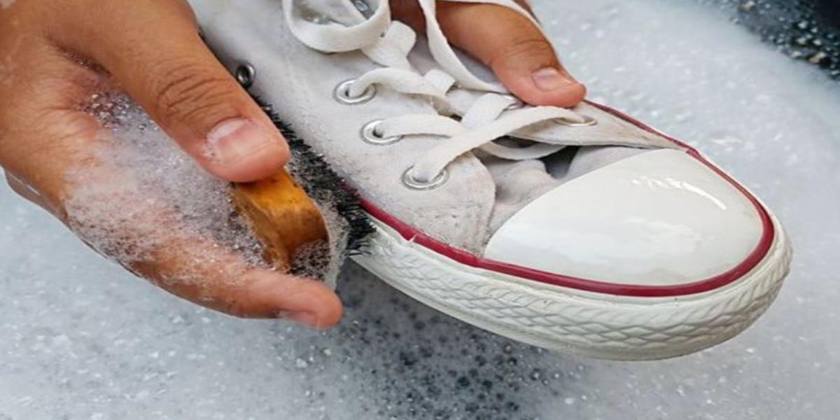 come disinfettare scarpe