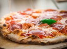 Come fare la pizza senza lievito in casa