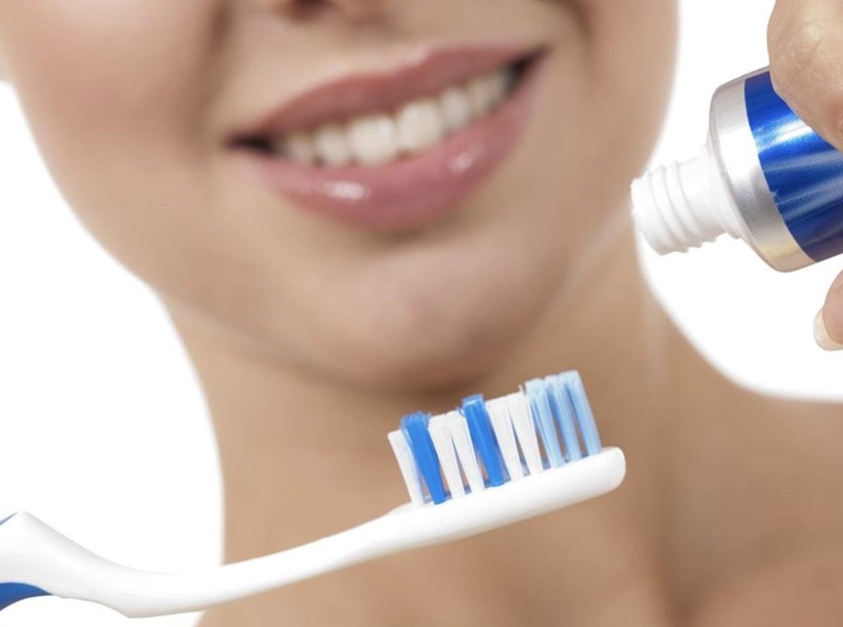 come lavarsi i denti correttamente