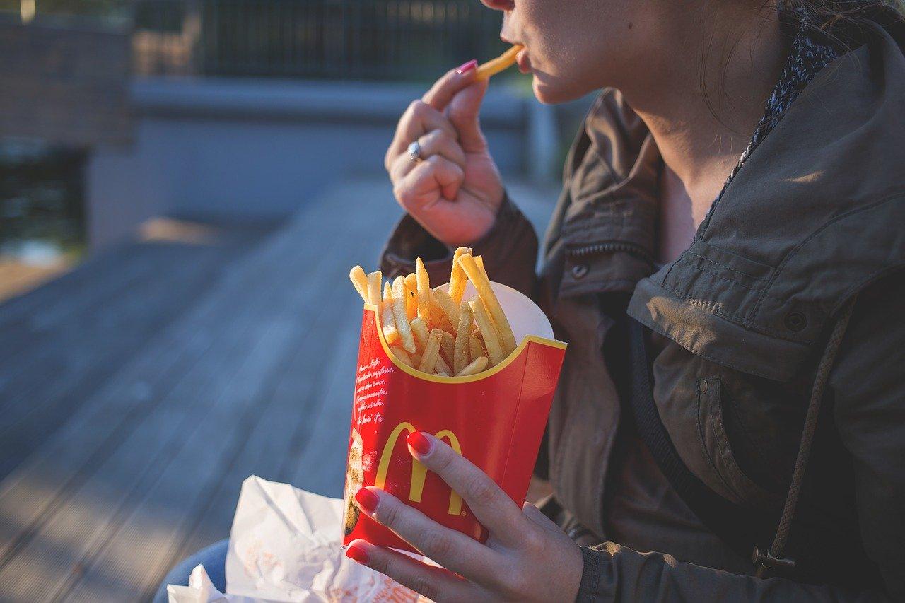 cosa mangiare fame nervosa