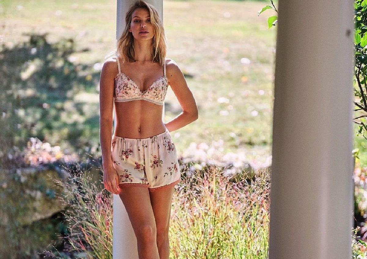 lingerie di primavera completi
