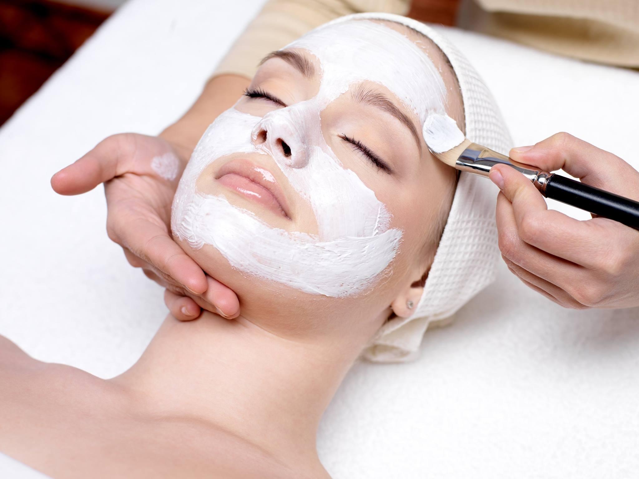 pulizia del viso a casa