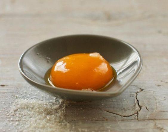 Uova capelli secchi