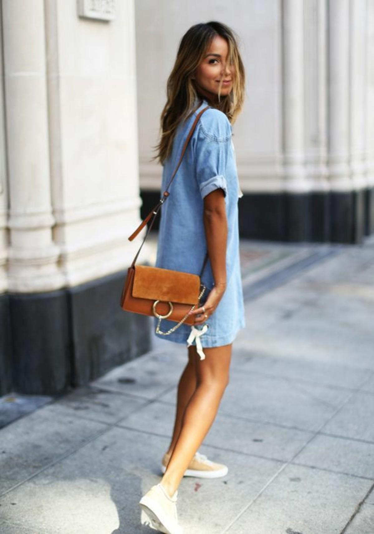 Abiti di jeans: corti o lunghi sono il nuovo must have