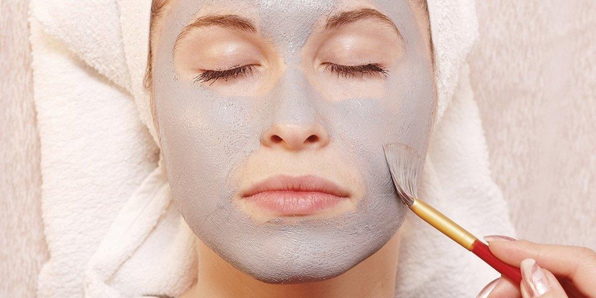 Maschera viso per pelle irritata