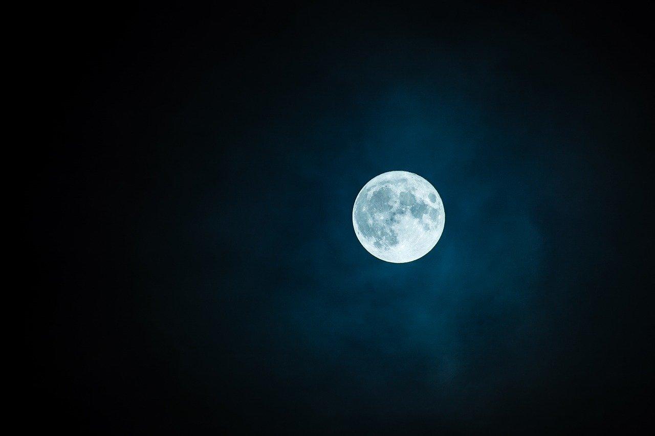 Superluna 7 maggio Luna dei fiori