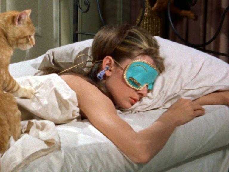 Mascherina per dormire a cosa serve