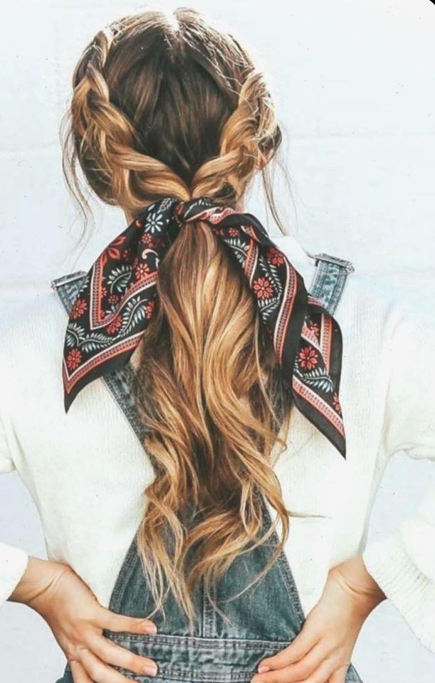 Semiraccolto con trecce e foulard