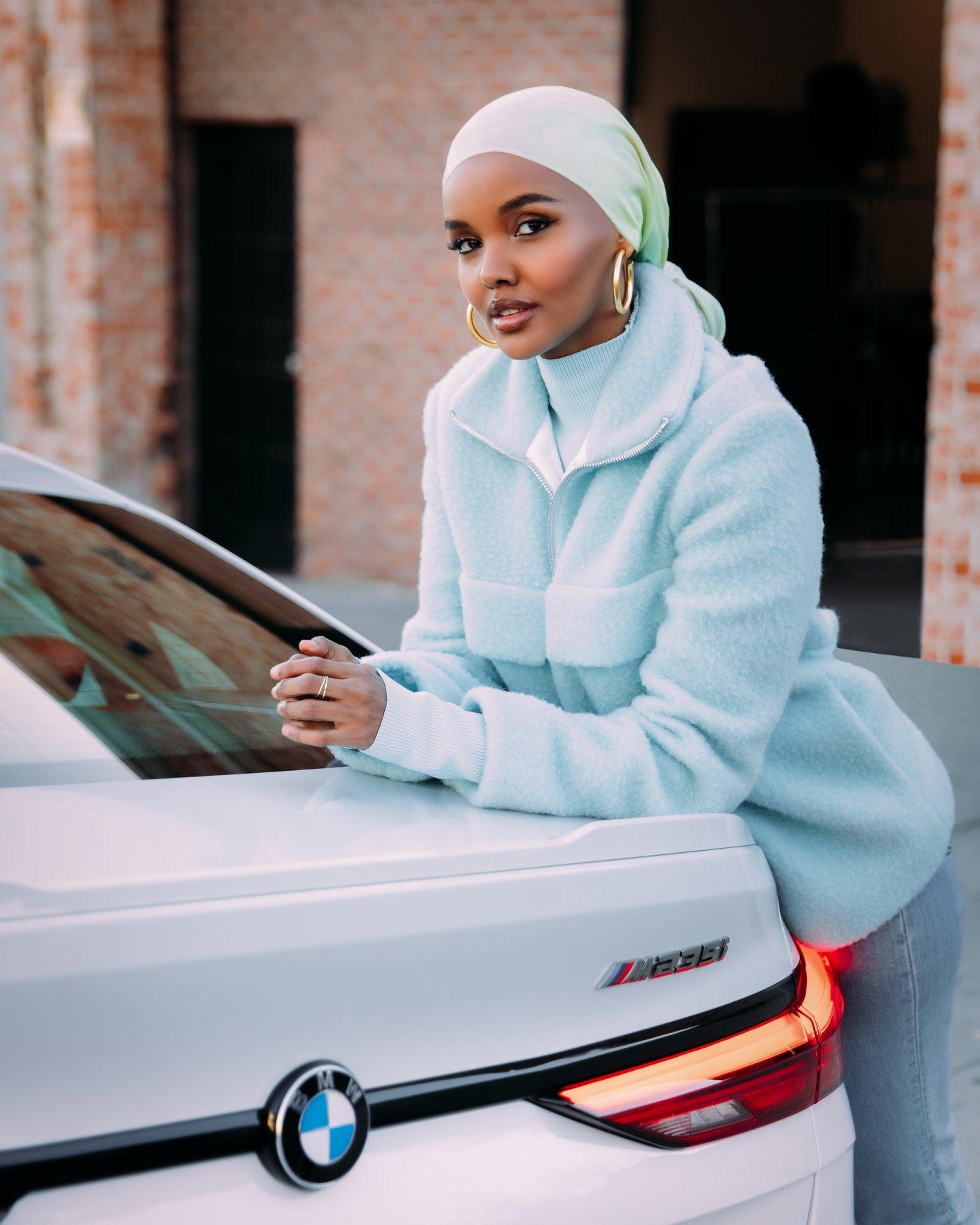 Halima Aden hijab e mascherina
