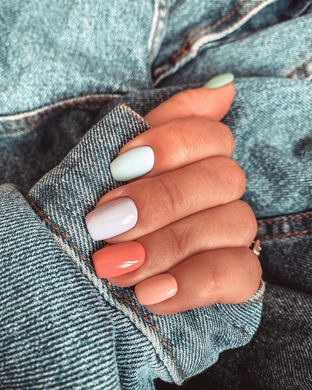 Pastel manicure tendenza