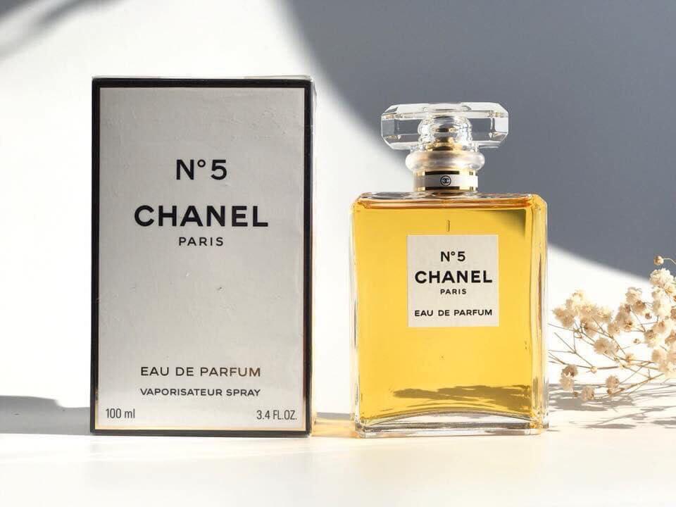 Quanti fiori si trovano in un flacone di Chanel