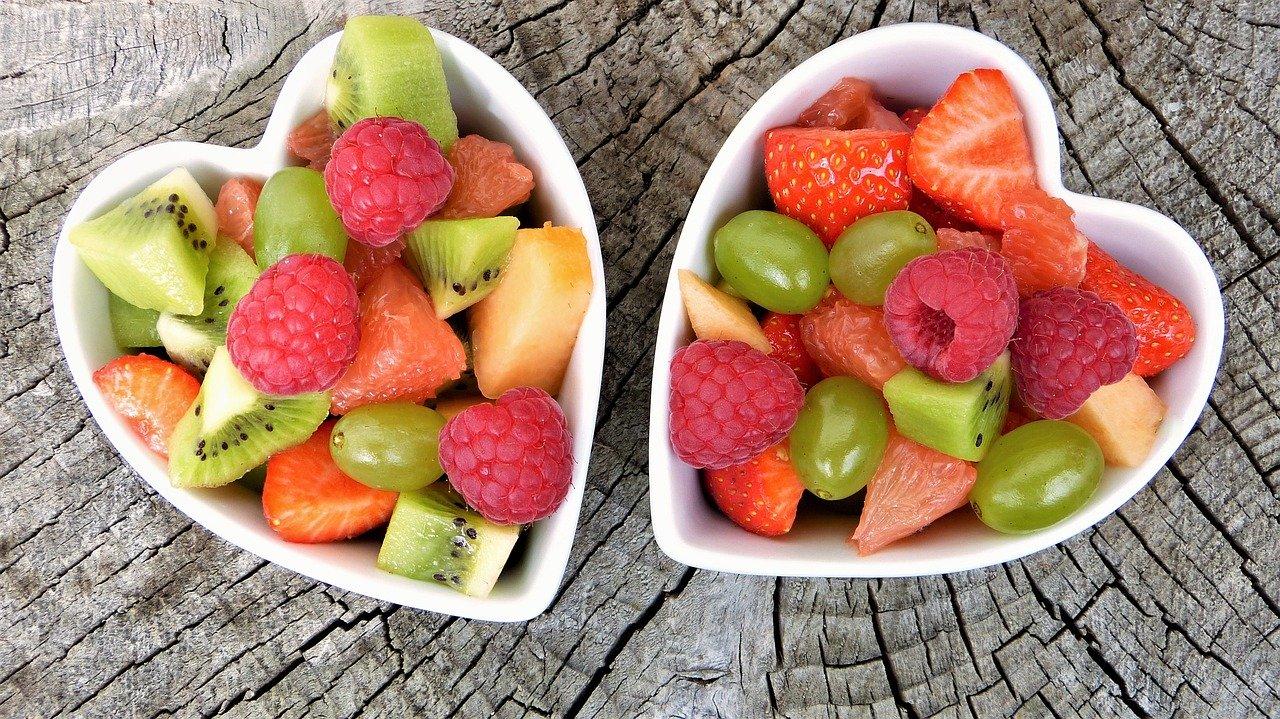 Cosa mangiare in estate per proteggere la pelle
