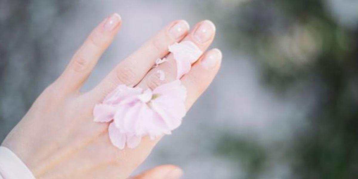 unghie naturali senza smalto