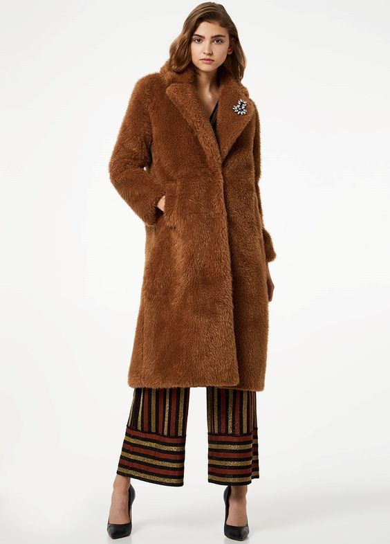 pelliccia ecologica marrone