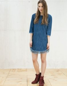 come indossare abiti stivaletti