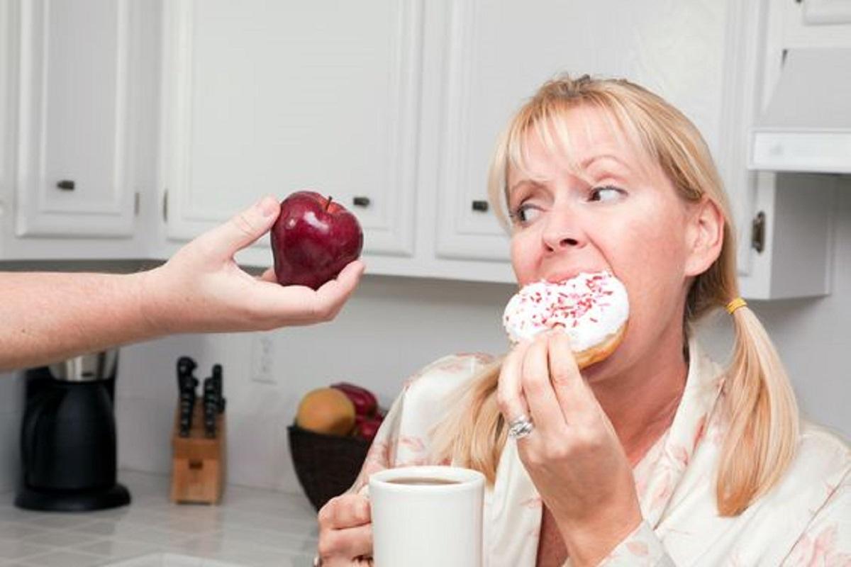 gestire attacchi di fame dopo cena