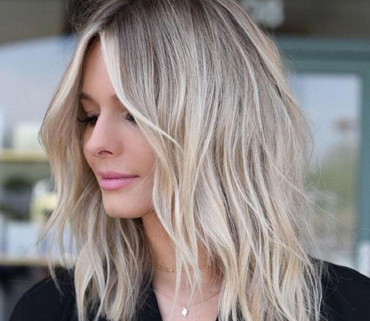 schiariture capelli tendenza