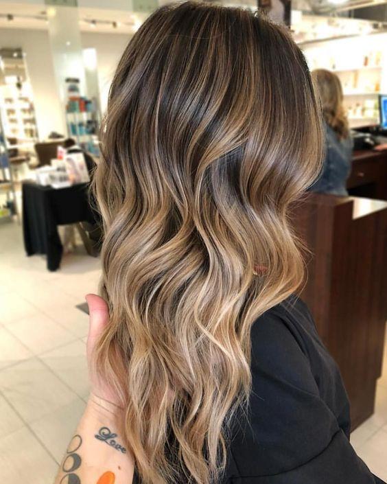 schiariture capelli tendenze
