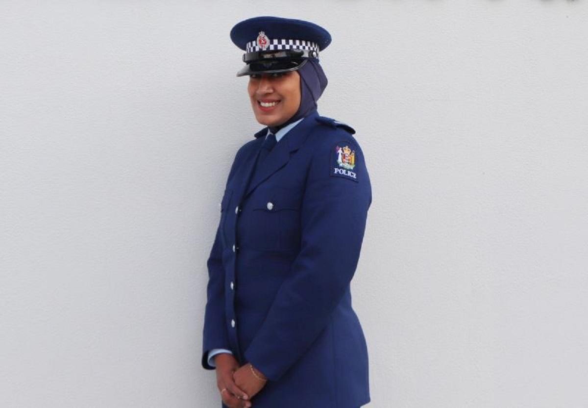 nuova zelanda velo hijab polizia