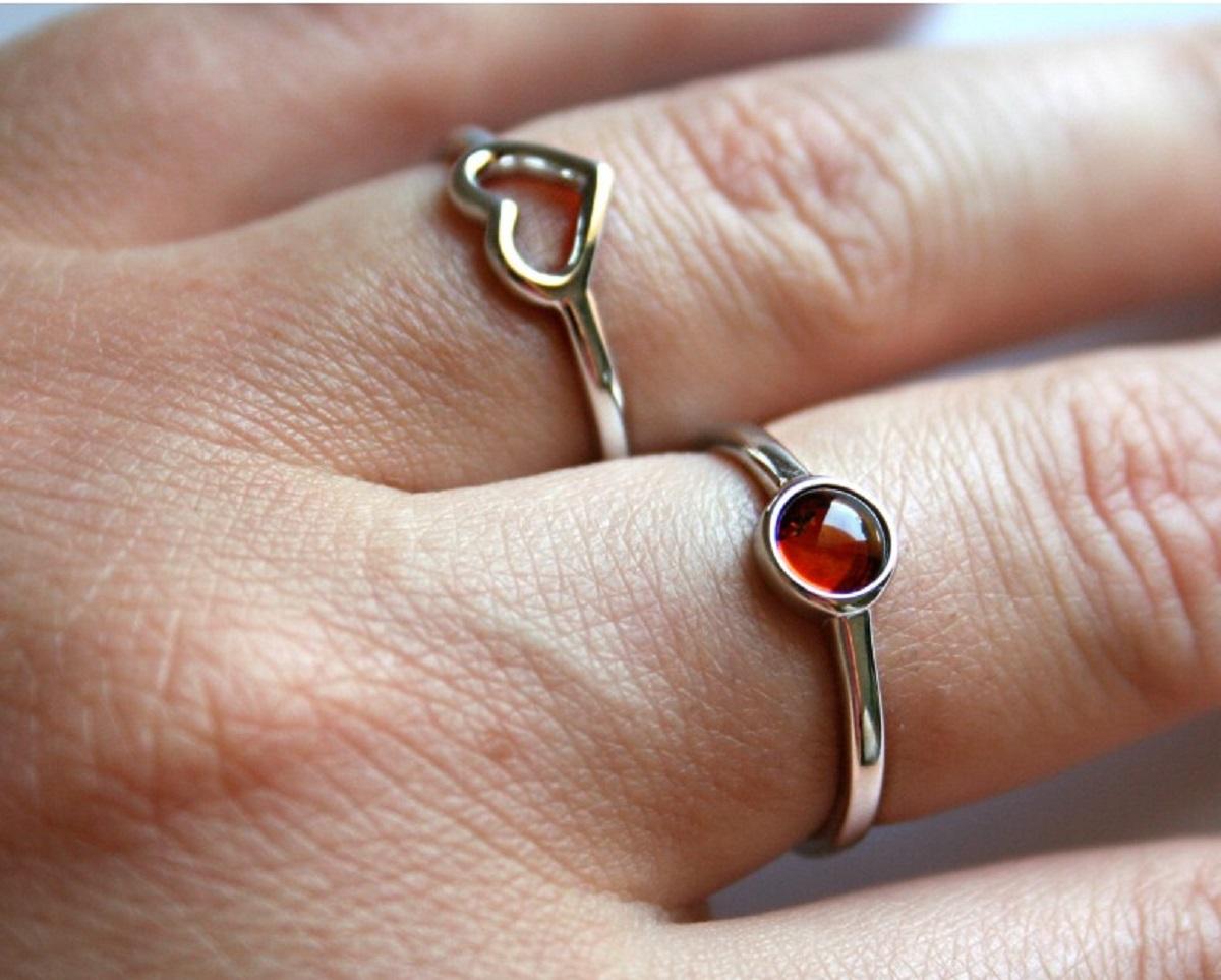 anelli in ambra
