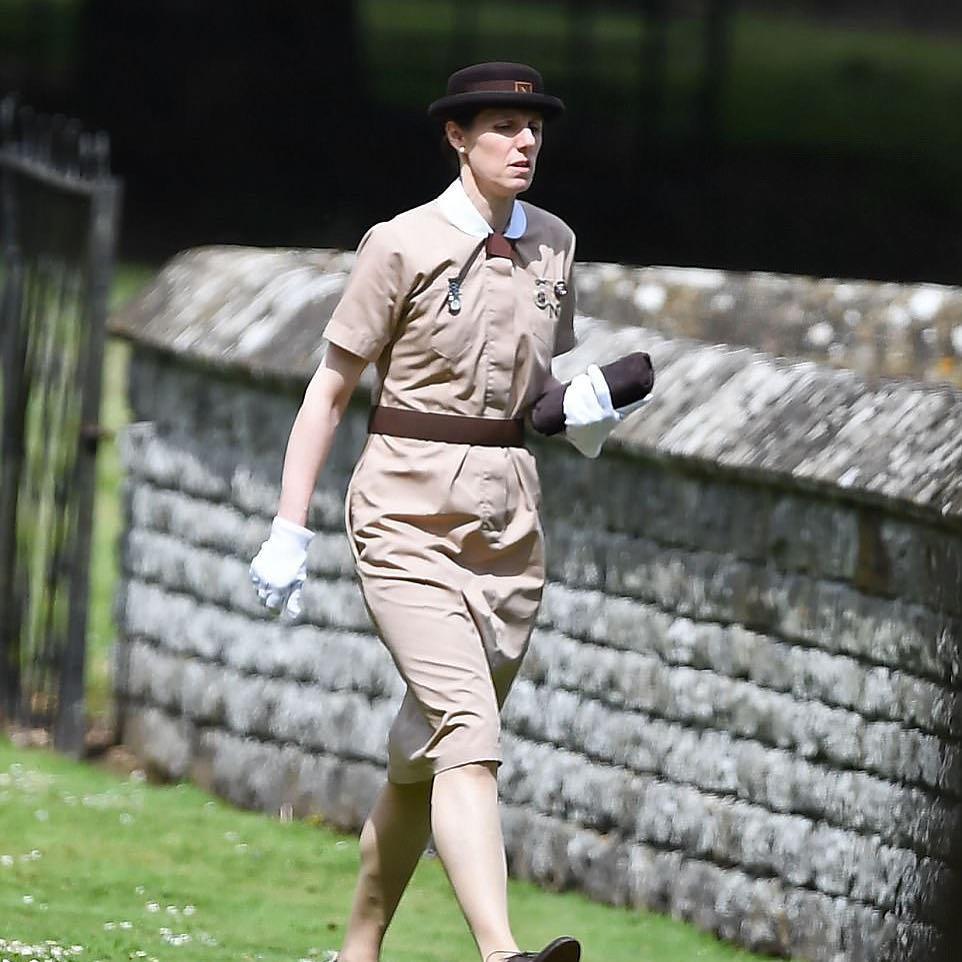 uniforme royal nanny