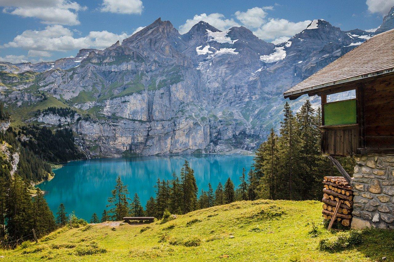 vivere in svizzera vantaggi svantaggi